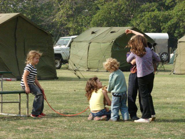 bushfire victime tents-3