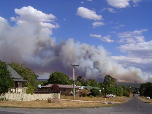 bushfire cloud close
